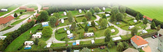 hôtellerie de plein air & emplacement camping-car dans le parc du Pilat